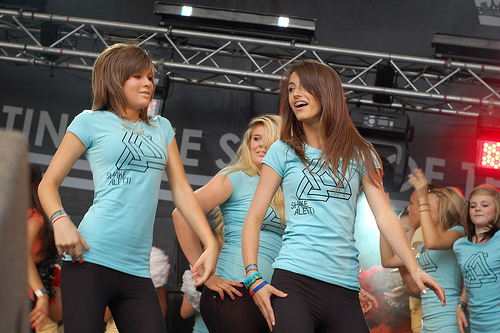 Shake aletti Activity Sheffield dancers